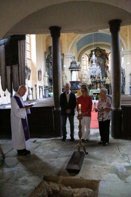 Ukládání ostatků v kostele sv. Jakuba