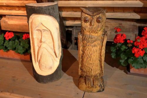Dřevořezby