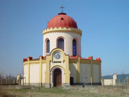 Kaple sv.Terezie, hrobka rodu Mensdorf-Pouilly