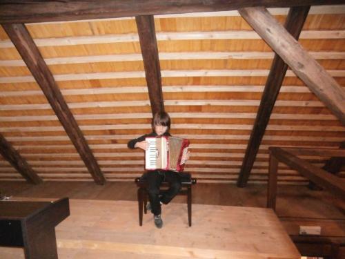 """8.6.2013 Vernisáž výstavy Sylvy Máslové""""jeden nápad nestačí"""""""
